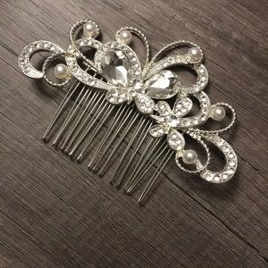 Accessories - Beautiful Rhinestone Head Comb
